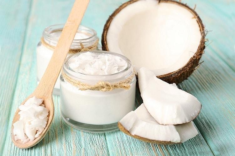 Кокосовое масло для лица и ресниц